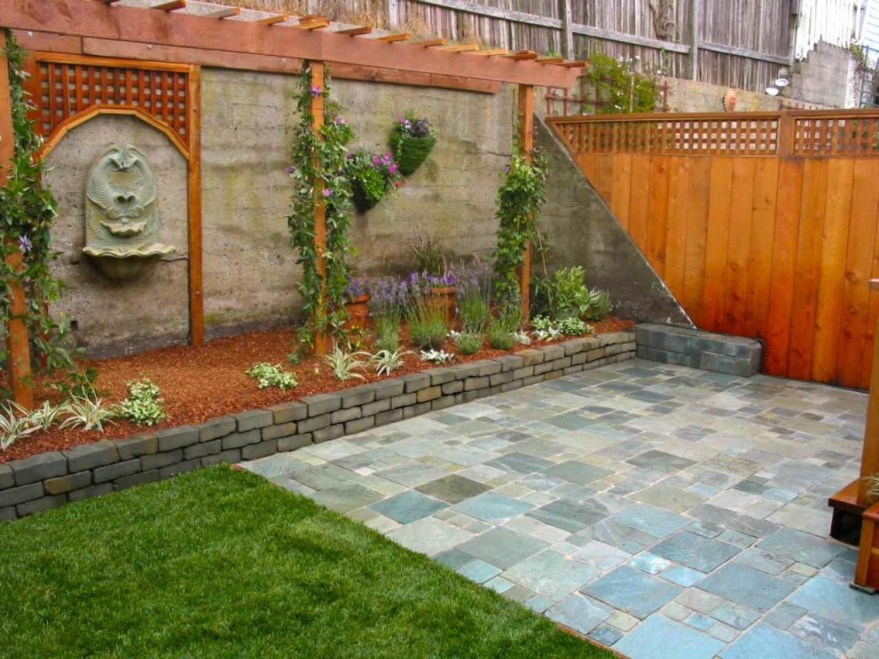 Amazing Outdoor Walls and Fences | Pinterest | Fences, Hgtv and ...