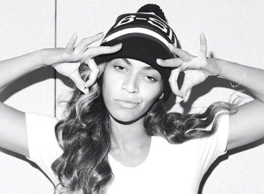 Beyoncé casual, without make up. she looks so cool!
