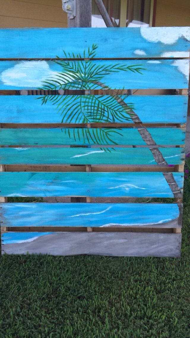 Palm tree pallet