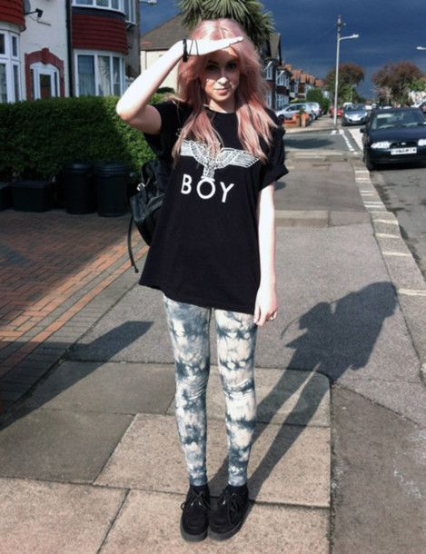 64be4e0505 t shirt and leggings cute outfit. Laid back style with tie dye leggings x.  leggings cool swag grunge tumblr tumblr outfit tumblr girl tumblr clothes  hipster