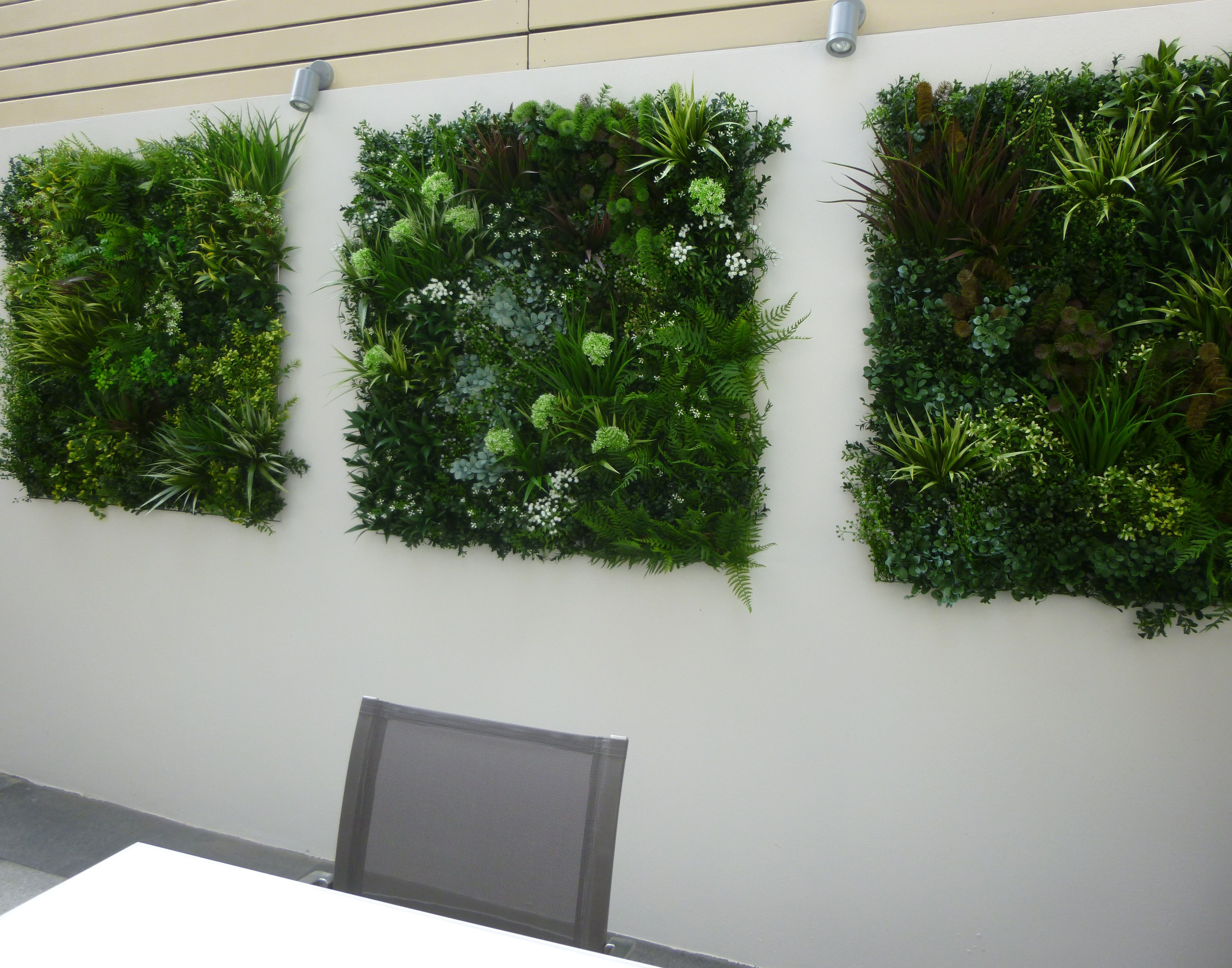 Another set of beautiful vistagreen artificial green wall for Jardin vertical artificial