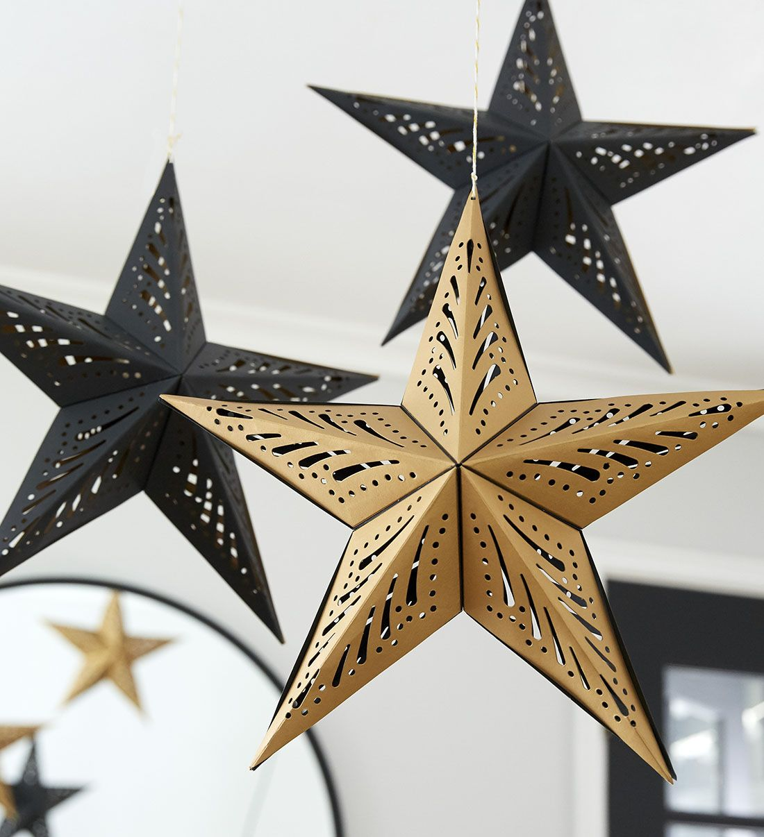 Diy Projects And Ideas Gold Christmas Decorations Black Gold