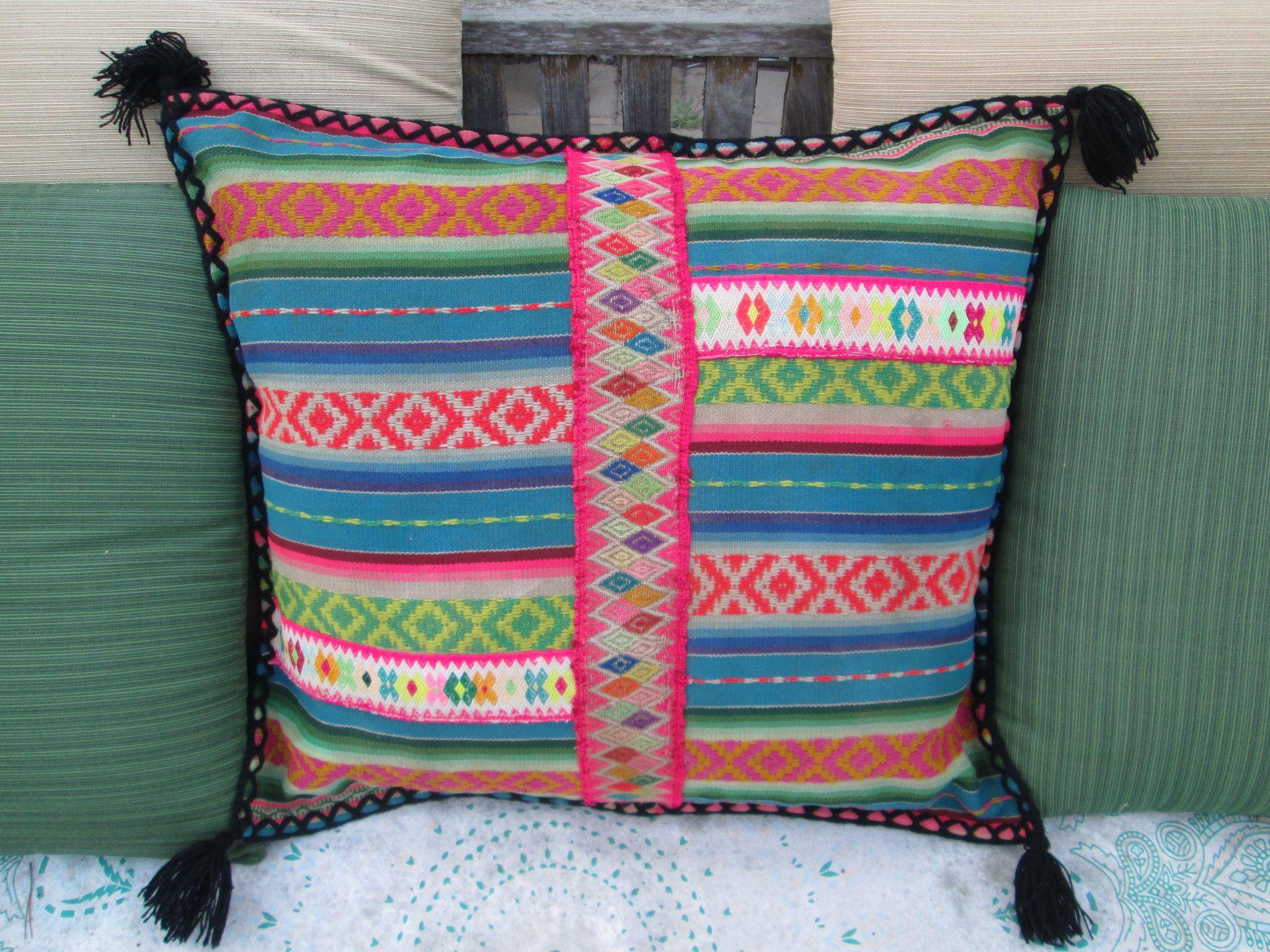 Peruvian Pillow in Oscuro