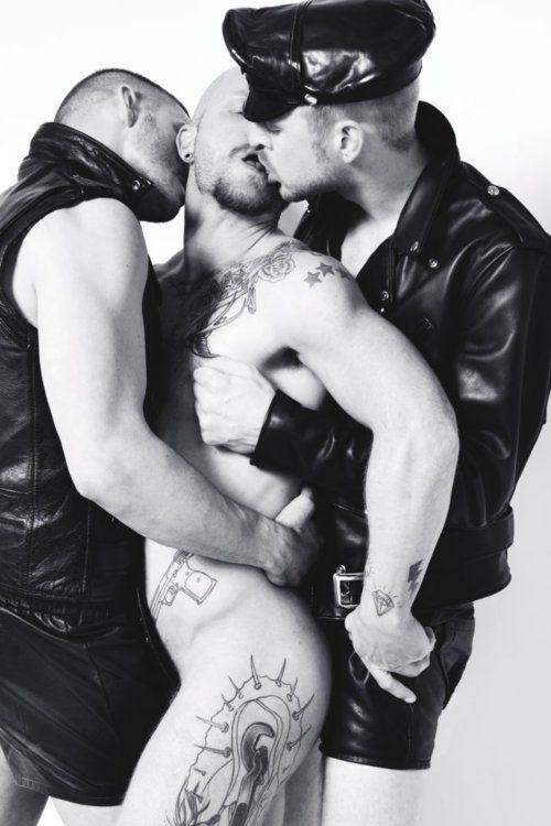 Gay leather bondage sex photos