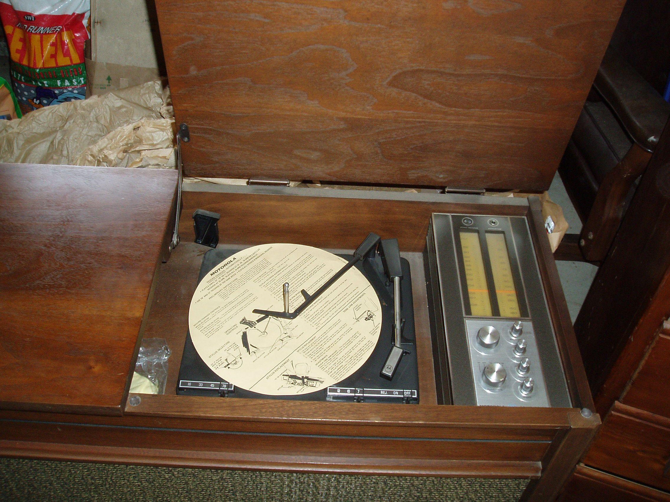 1969 (?) Motorola record player/radio console antique appraisal ...