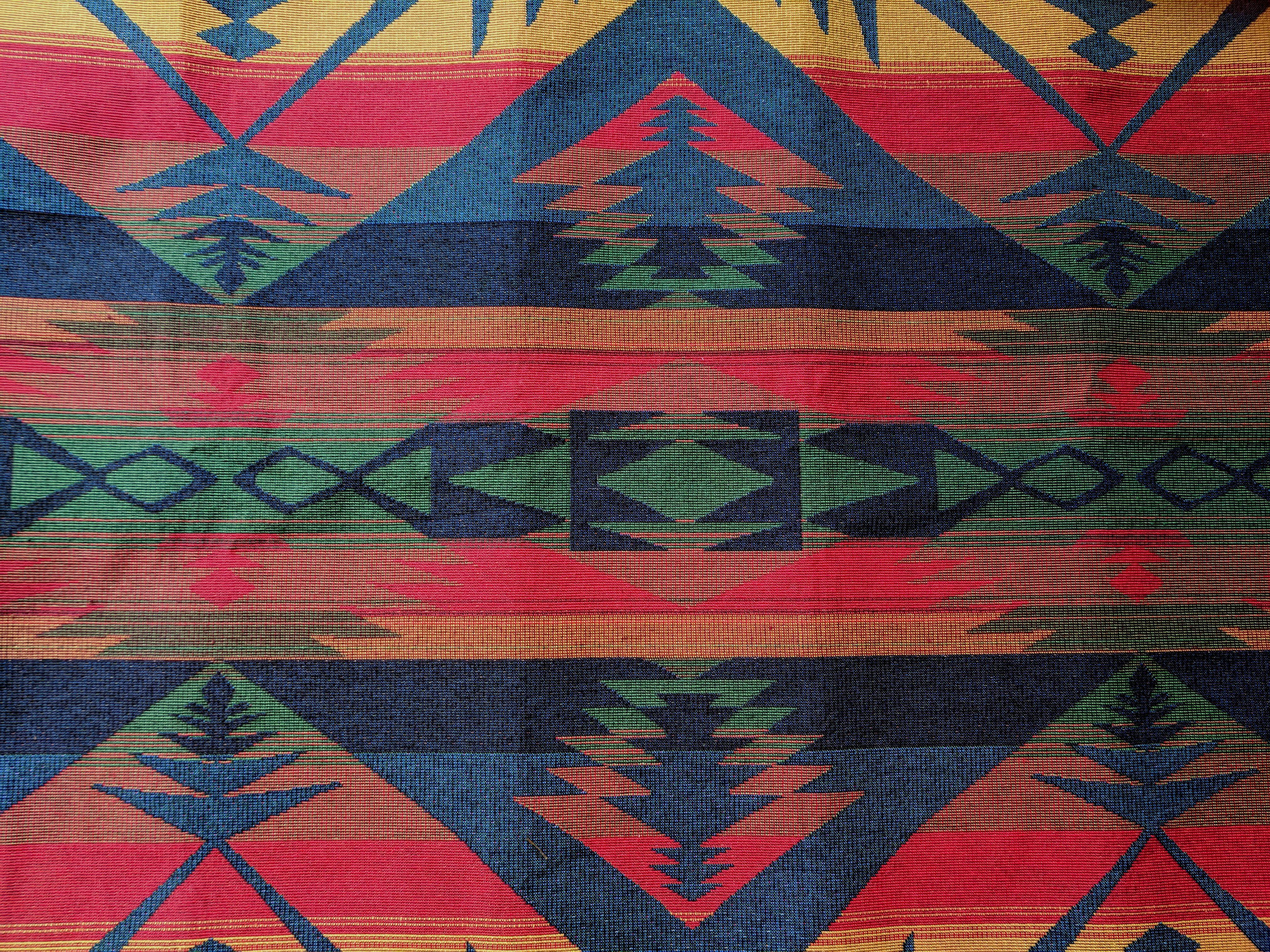 "Aztec Geometric Print 4 Colours High Quality 100/% Rayon Fabric 44/"""