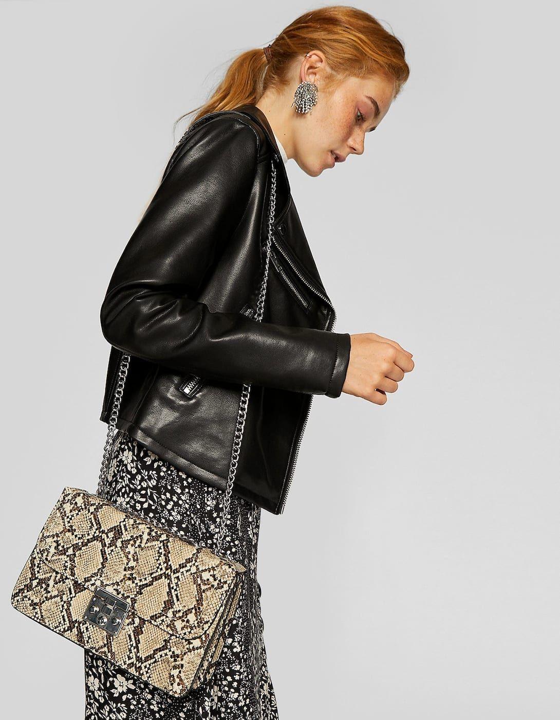 8632cc2dcdd5 Faux snakeskin crossbody bag - Bags and backpacks | Stradivarius Hungary