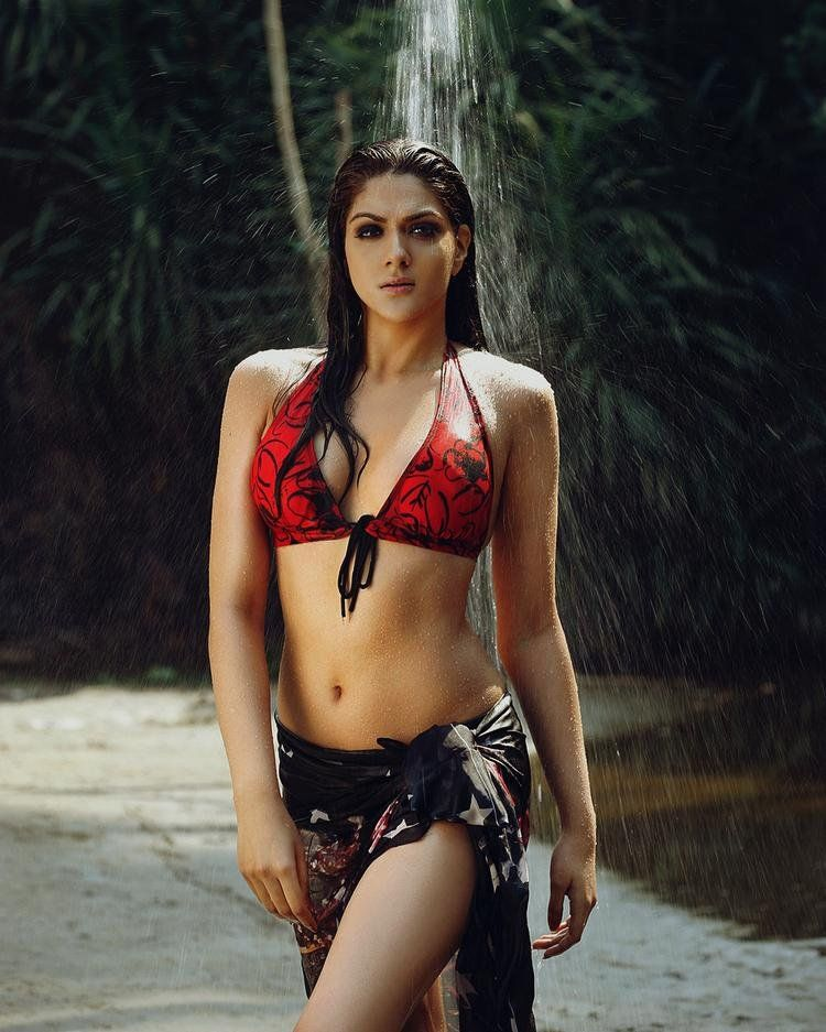 9db13b18e6526 Sakshi Chaudhary stunning pose in wet #wetlook #wetnwildbeauty #Red Bikini  Images, Bikini