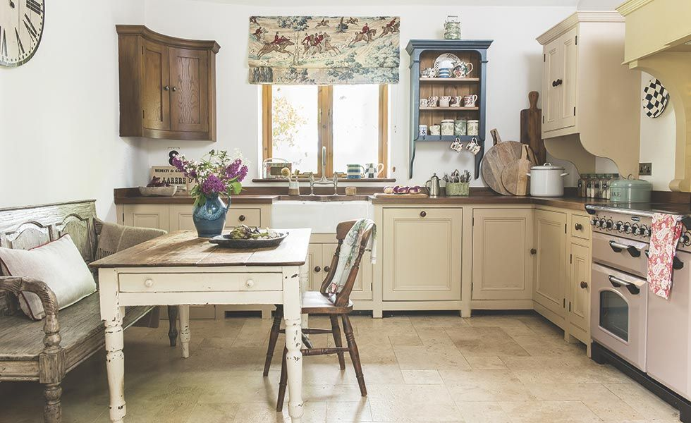 Une Grange Renovee Dans Les Cotswolds Country Kitchen Sustainable Kitchen Period Living