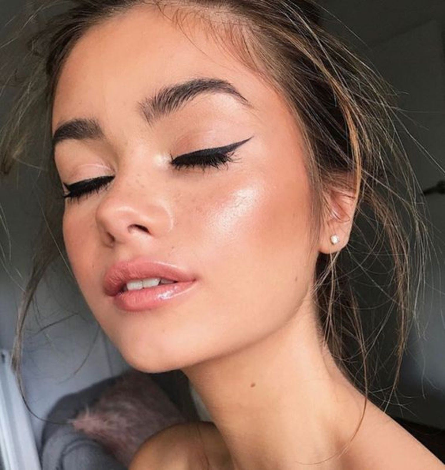 Photo of Beauty | Make Up | Natural | Glowy | Black | Eye Liner | Highlighter | Brows | N…