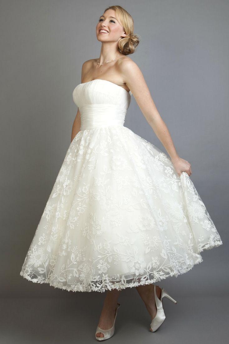 gorgeous wedding dress ideas for a casual wedding dress