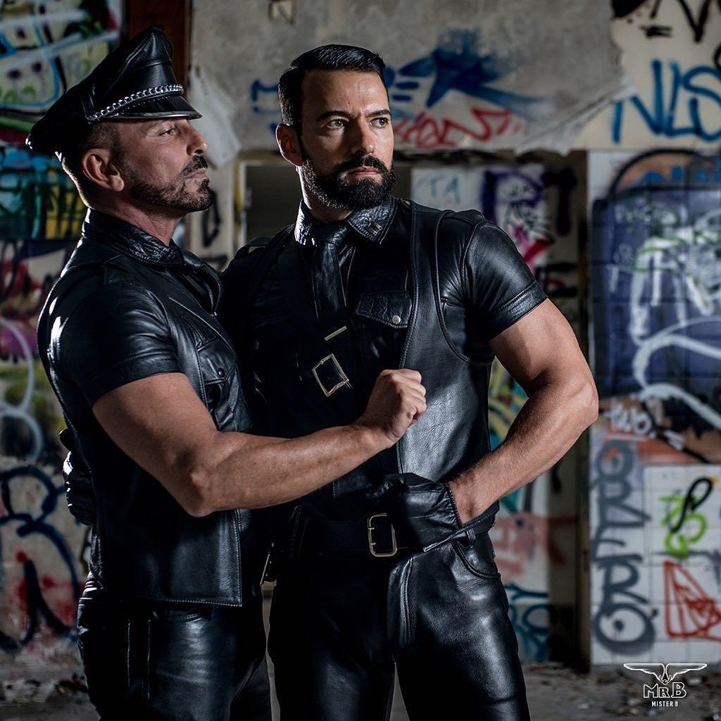 Big Leather Kozha In 2019 Cool Jackets For Men Men Men Kissing