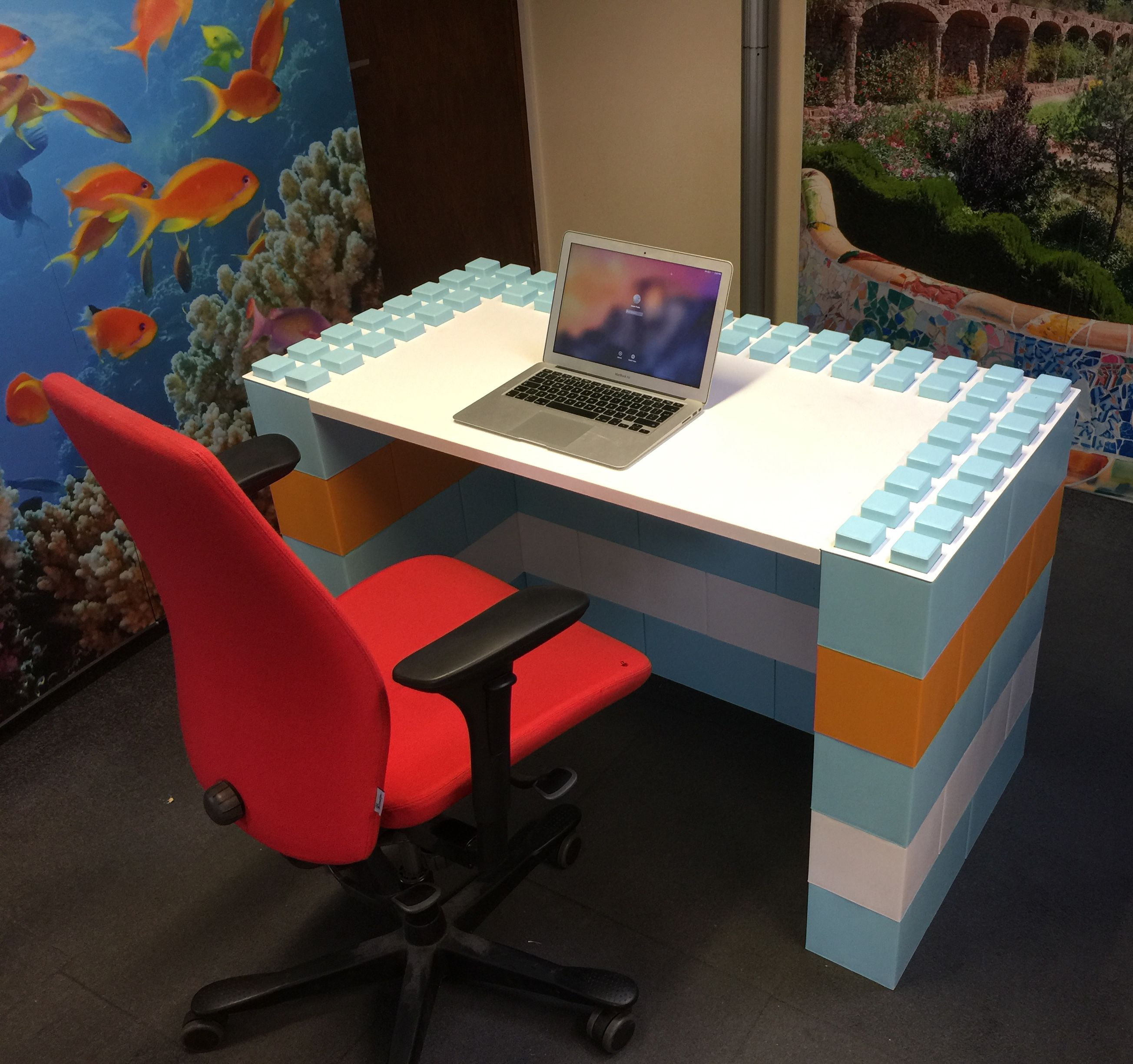modulardesks with everblock from pod exhibitions. buy everblock in