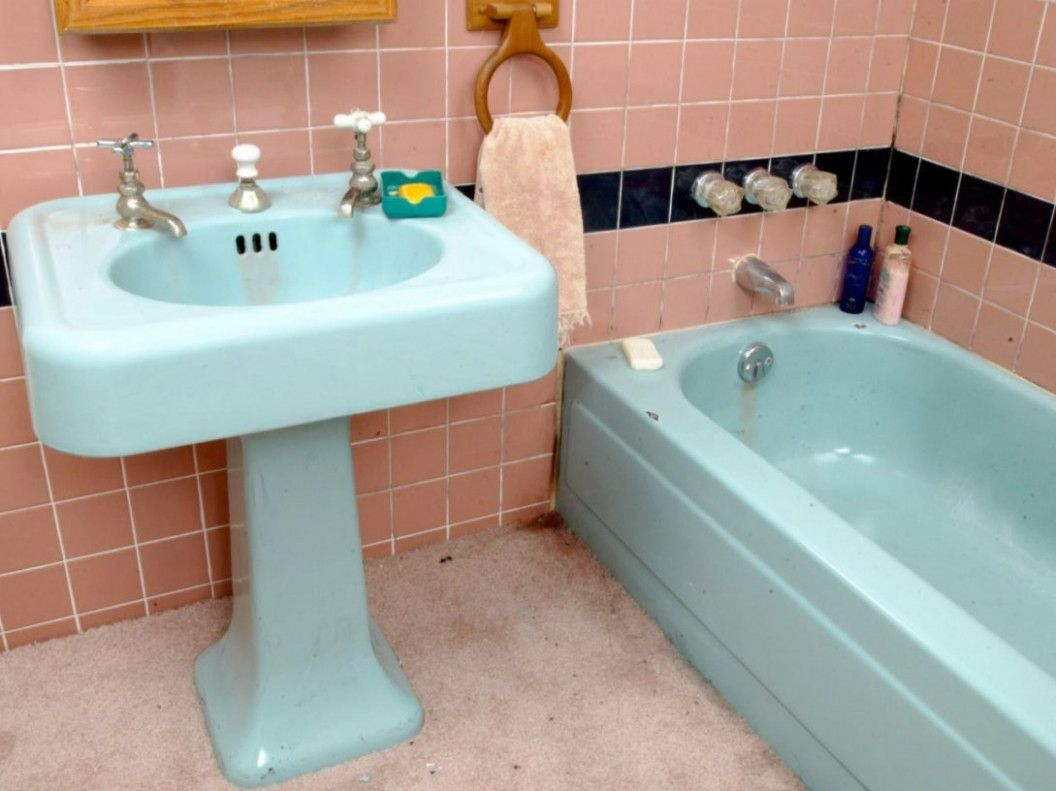 The Miracle Of Ugly Bathtub Makeover How To Paint | Bathtub makeover ...