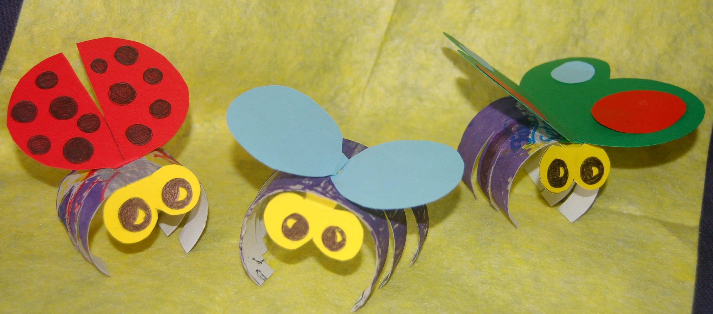 Toilet Paper Bugs | rolls, s ciss ors, glue, construction paper and something to colour ...
