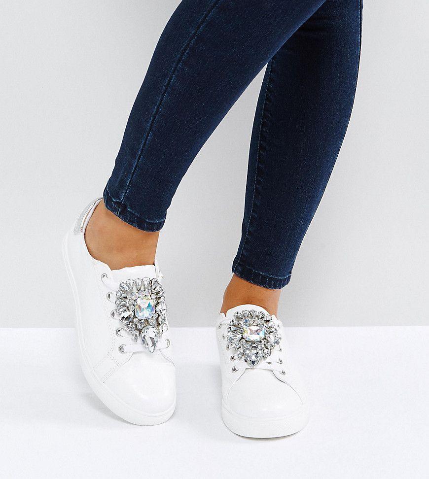 wide fit heels white