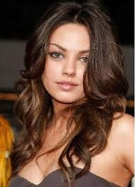 Love Mila Kunis's hair here, very voluptuous, dimensions, waves, and just very important...very natural looking!  Plus, love the color, too!