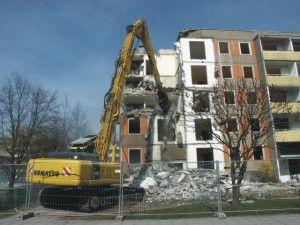 former East Germany apartment. Wohnung, die dem Bagger zum