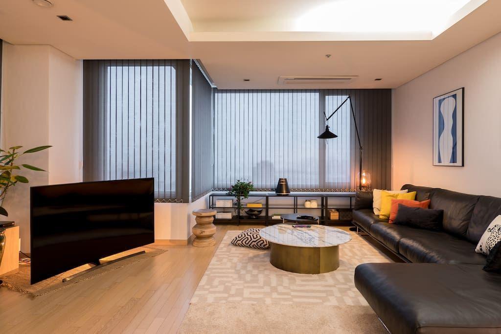 Bright Modern River View Coex Gangnam Apartments For Rent In Gangnam Gu Seoul South Kore Living Room Decor Apartment Apartment Design Dream House Rooms
