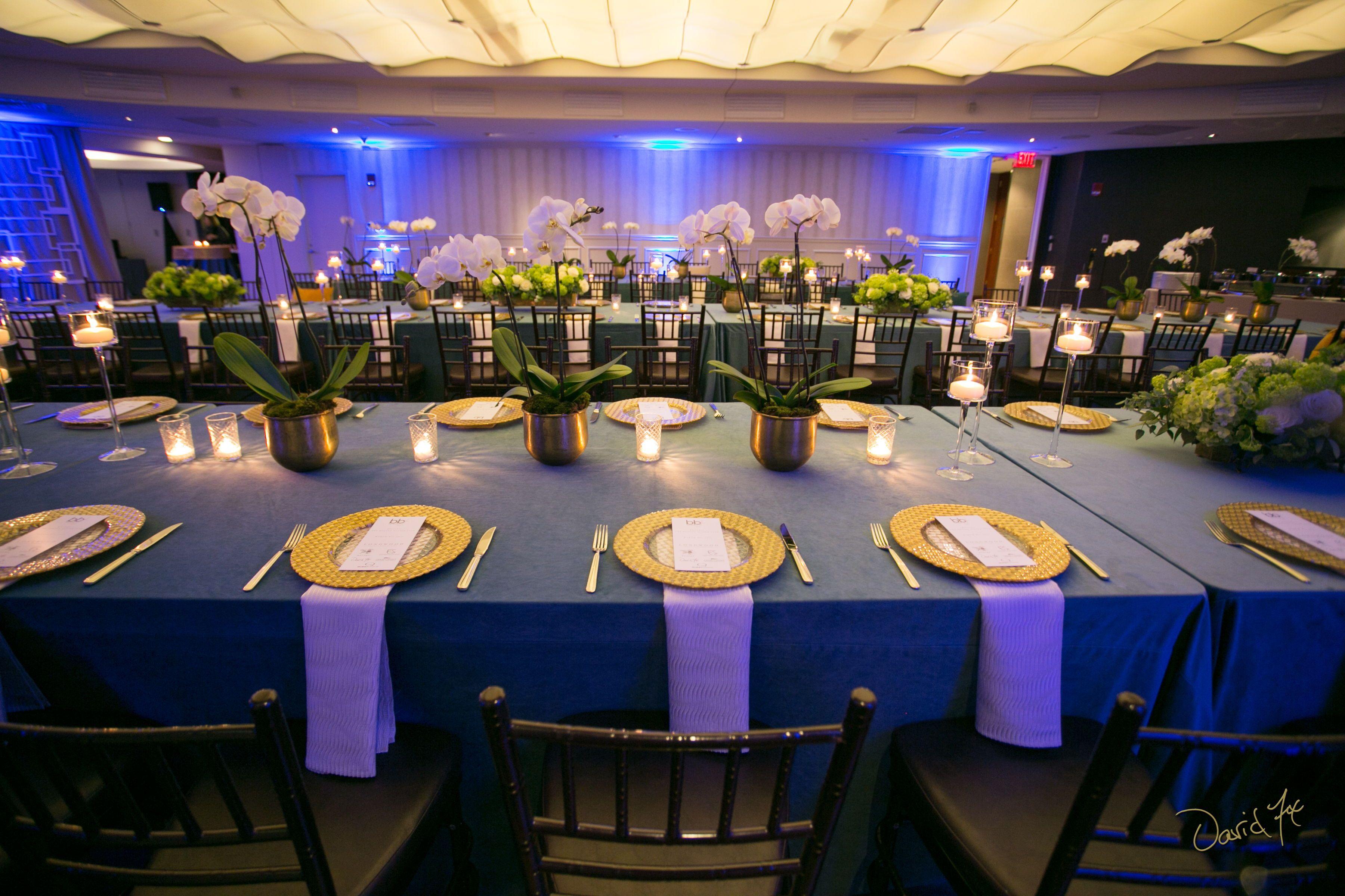 Real Boston Wedding At The State Room Boston Ma Longwood Venues State Room Wedding Bosto Boston Wedding Venues Massachusetts Wedding Venues Wedding Boston