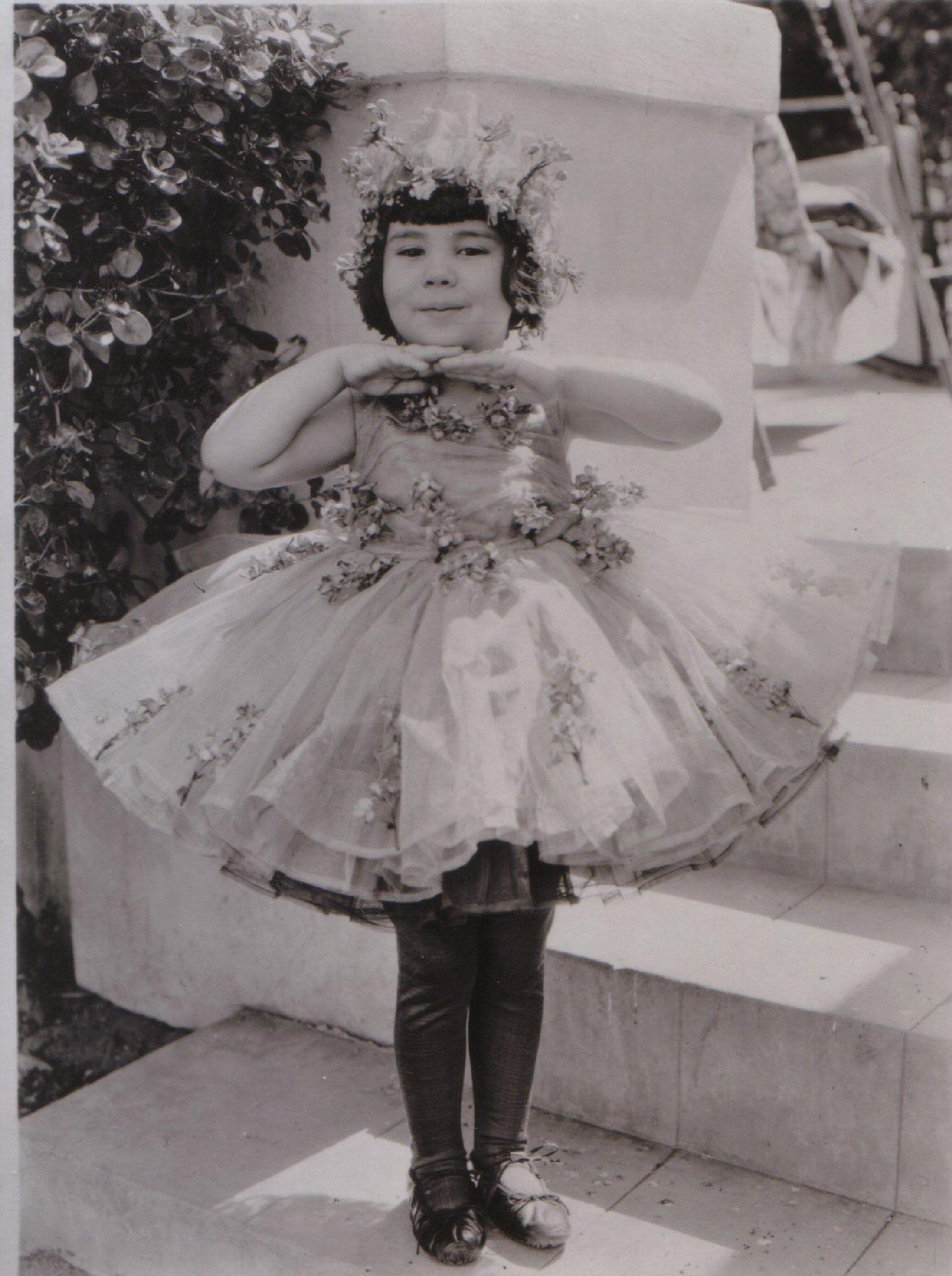 Lee Hwa Sook Erotic picture Jenette Goldstein,Joan Greenwood (1921?987)
