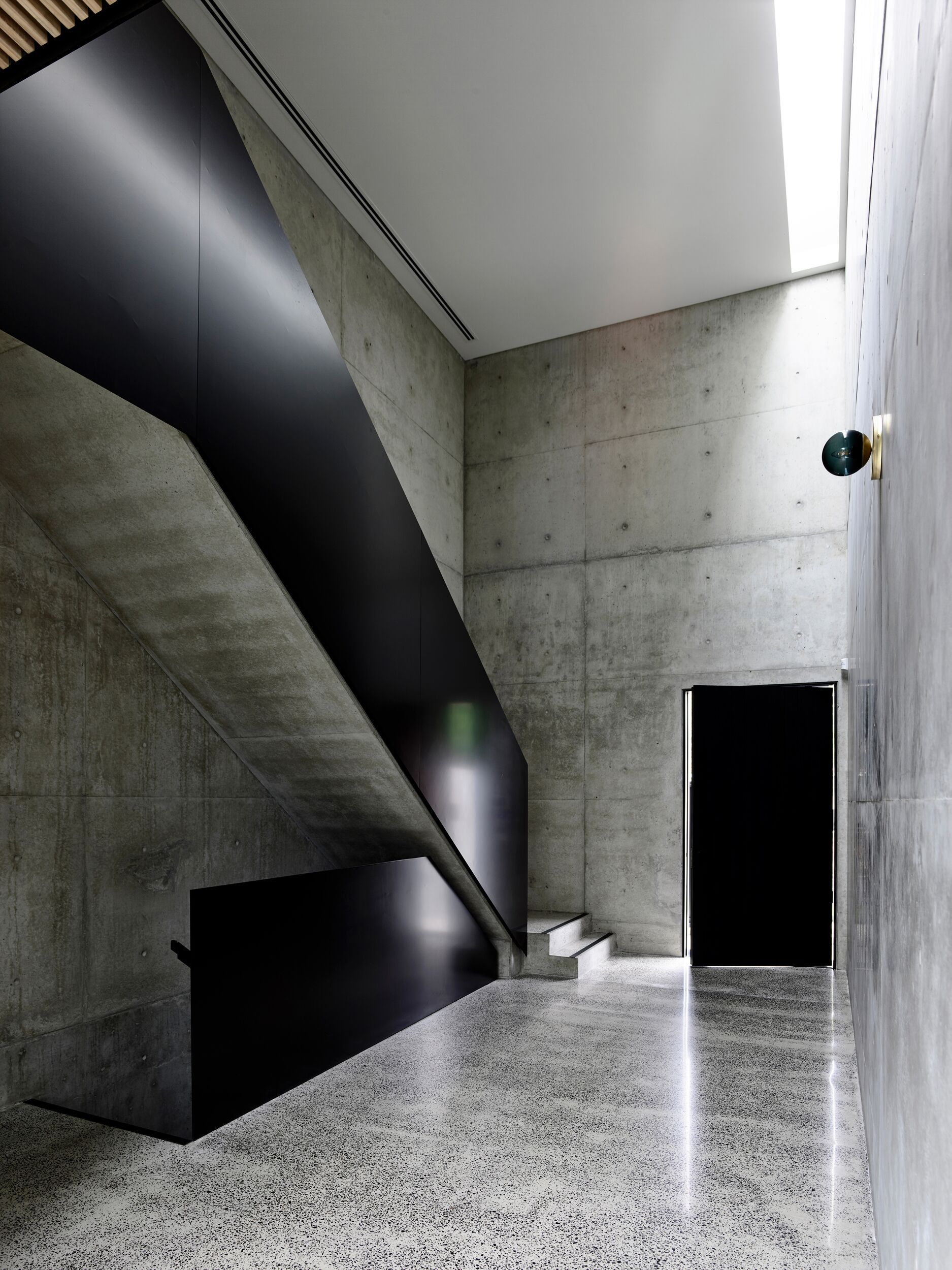 Light Vault House By Chamberlain Architects The Brighton Concrete Bunker The Local Project In 2020 Architect House Interior Architecture
