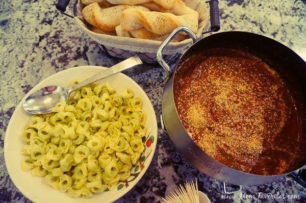 Best family dinner ever with Barilla Marinara & Spinach Pesto Italian Fondue, plus!