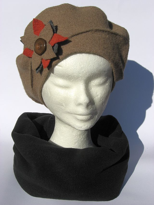 Basco invernale personalizzabile lana beige   Cappelli e6af914c1a21