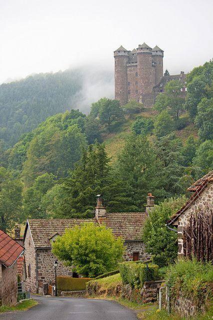 Mountain Side Castle, Auvergne, France Auvergne Pinterest