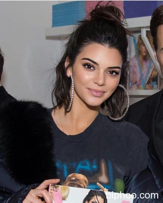 Kendall Jenner & Blake Griffin Dress Alike On Their 4th Date In A Week — See Cute Twinning Pics