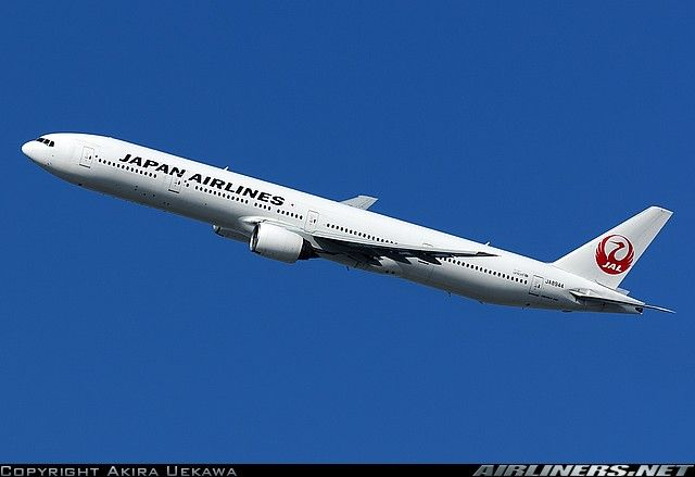 Japan Airlines Boeing 777-346 aircraft picture