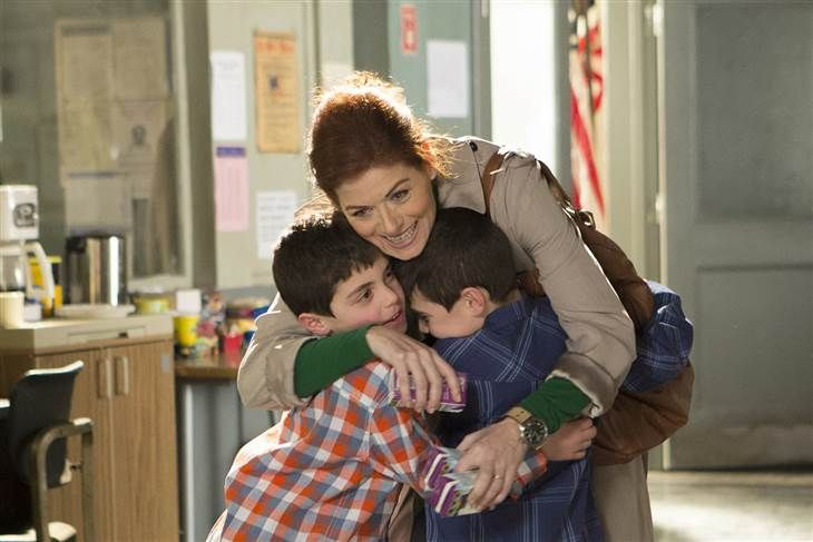 Debra Messing 6 Things I Ve Learned About Being A Working Mom