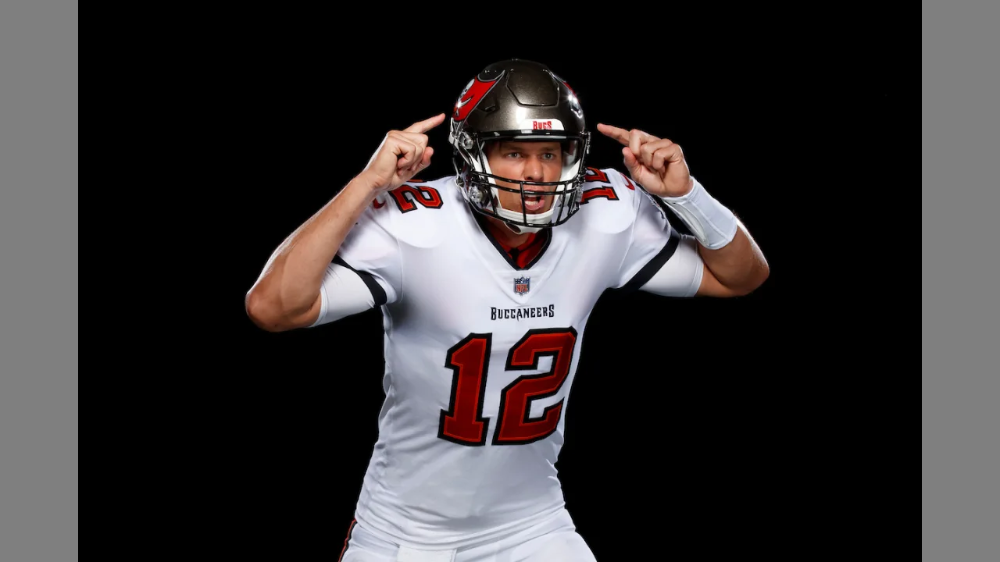 Photos First Look At Tom Brady In A Bucs Uniform Buccaneers Nfl Season Nfl News