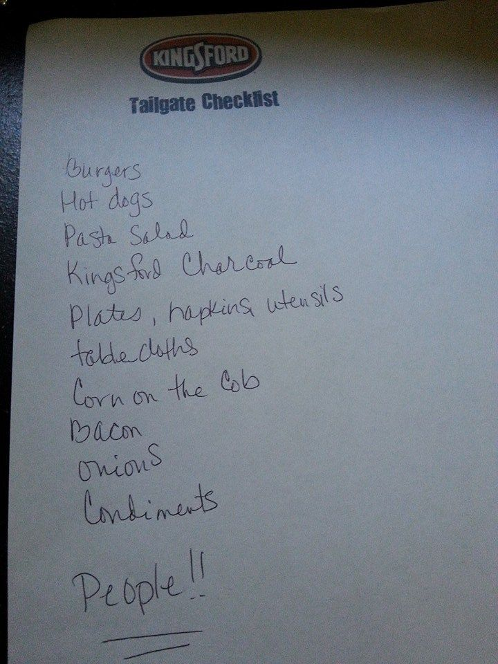 Need help preparing for a tailgate? Check out my Tailgate Checklist! #TailgateForOurTroops