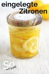 Eingelegte Zitronen schnell gemacht  Immer einen Zitronen-Boost zur Hand! Für Salate, Suppen, Soßen usw. Eingelegte Zitronenscheiben sind schnell gemacht und einfach der Hammer!    This image has get 1053 repins.    Author: So nach Gefühl #Eingelegte #gemacht #schnell #Zitronen #raspberryvodka