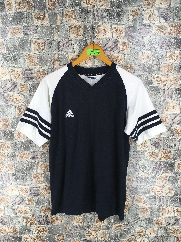 774d07109  clothing  shirt  vintageadidastee  adidassweatshirts  adidastrefoiltees   adidasjersey  vintageadidas90s  adidasmenstshirt