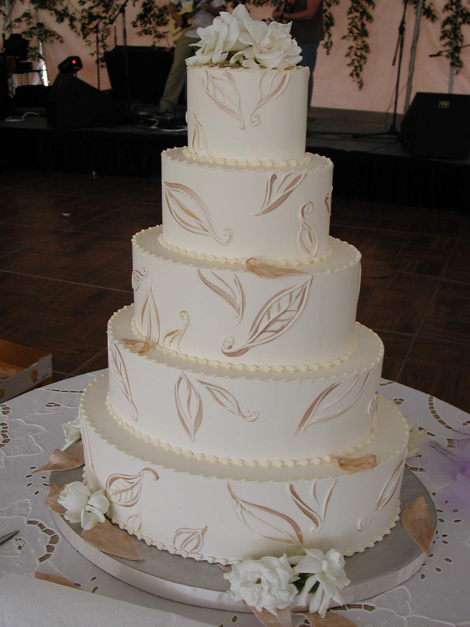 Magpies Bakery Knoxville  TN Oval buttercream wedding cake with     Magpies Bakery Knoxville  TN Oval buttercream wedding cake with painted  fall decor   knoxville  love  wedding  oval  butter