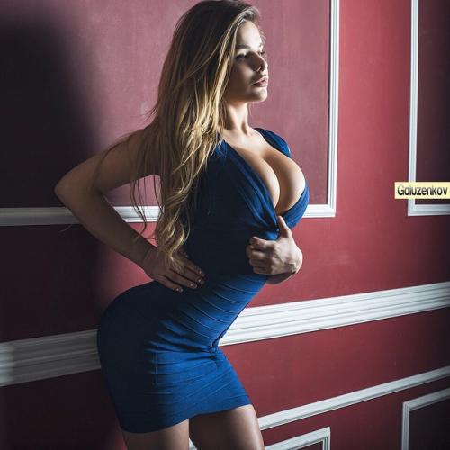 Perfect tits blue dress
