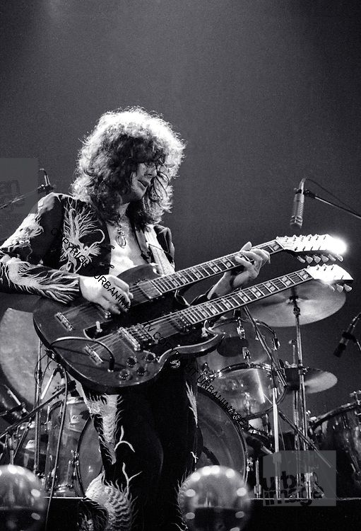 Led Zeppelin - London - 1975 | urbanimage.tv
