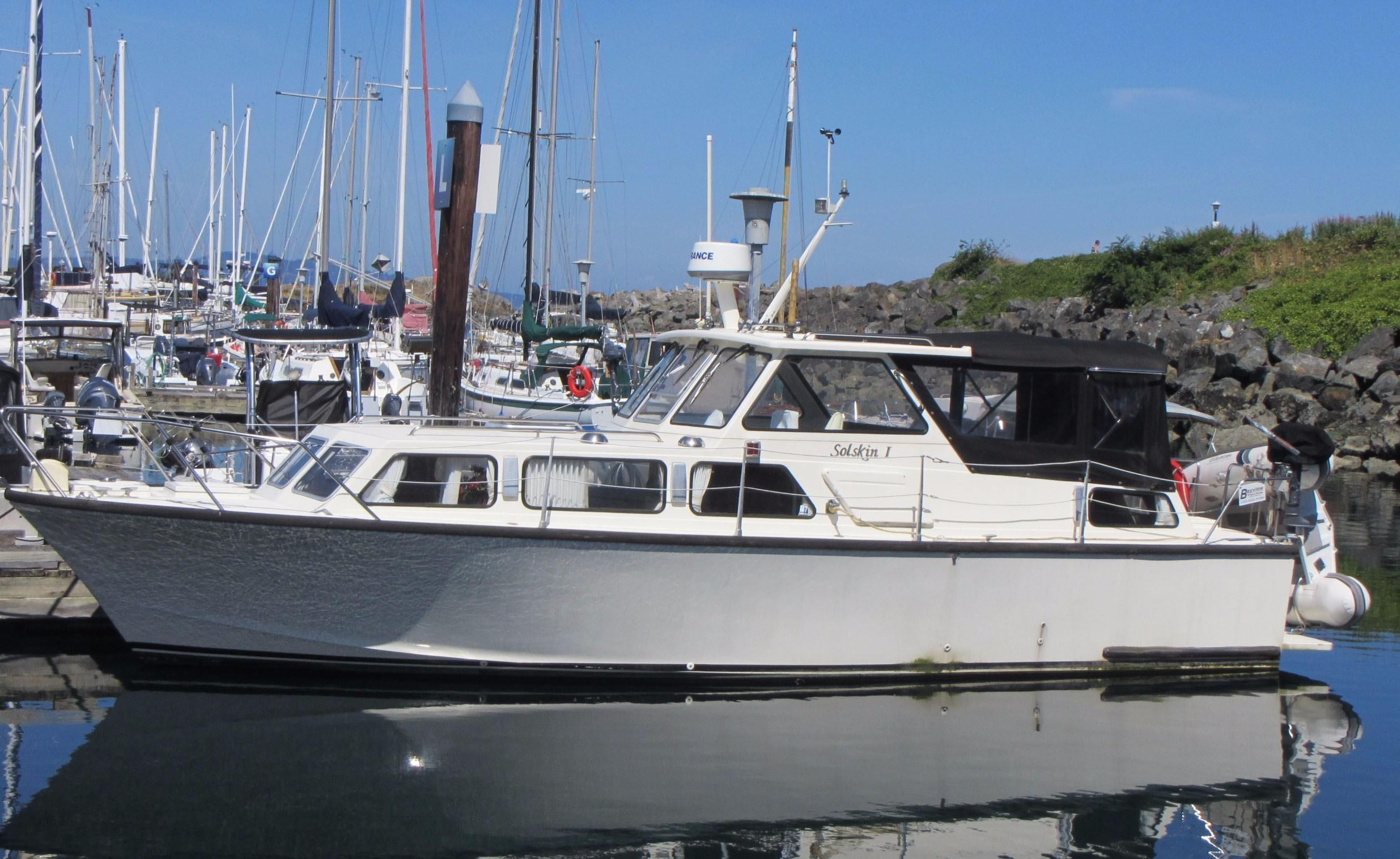 boats for xlarge north us sale all aft cabins neptune in cabin carolina carver