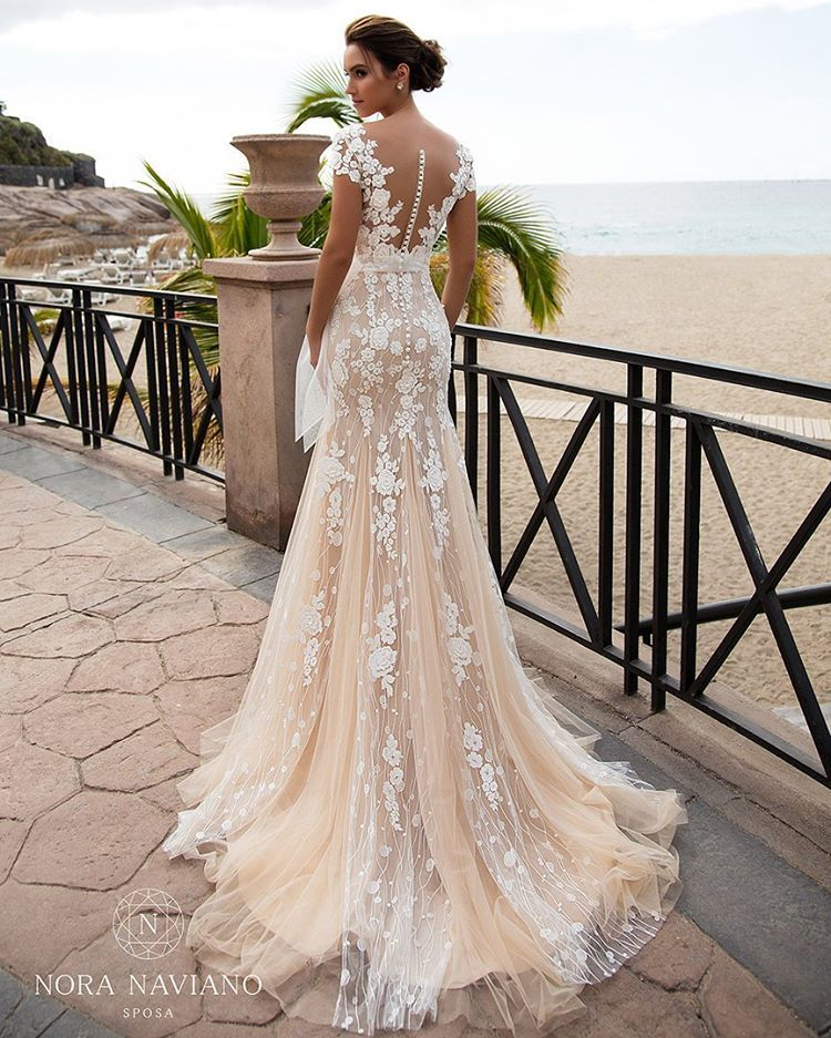 Princess silhouette wedding dress with luxury train and ...