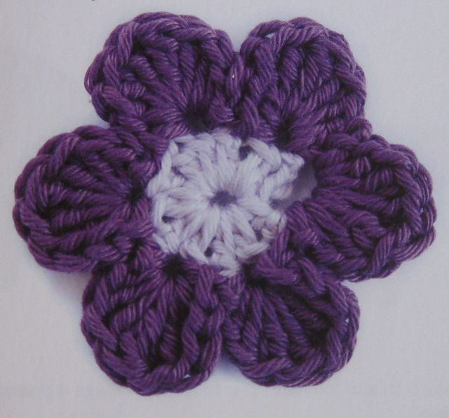 Large Simple Flower Pattern By Claire Crompton Crochet Pinterest
