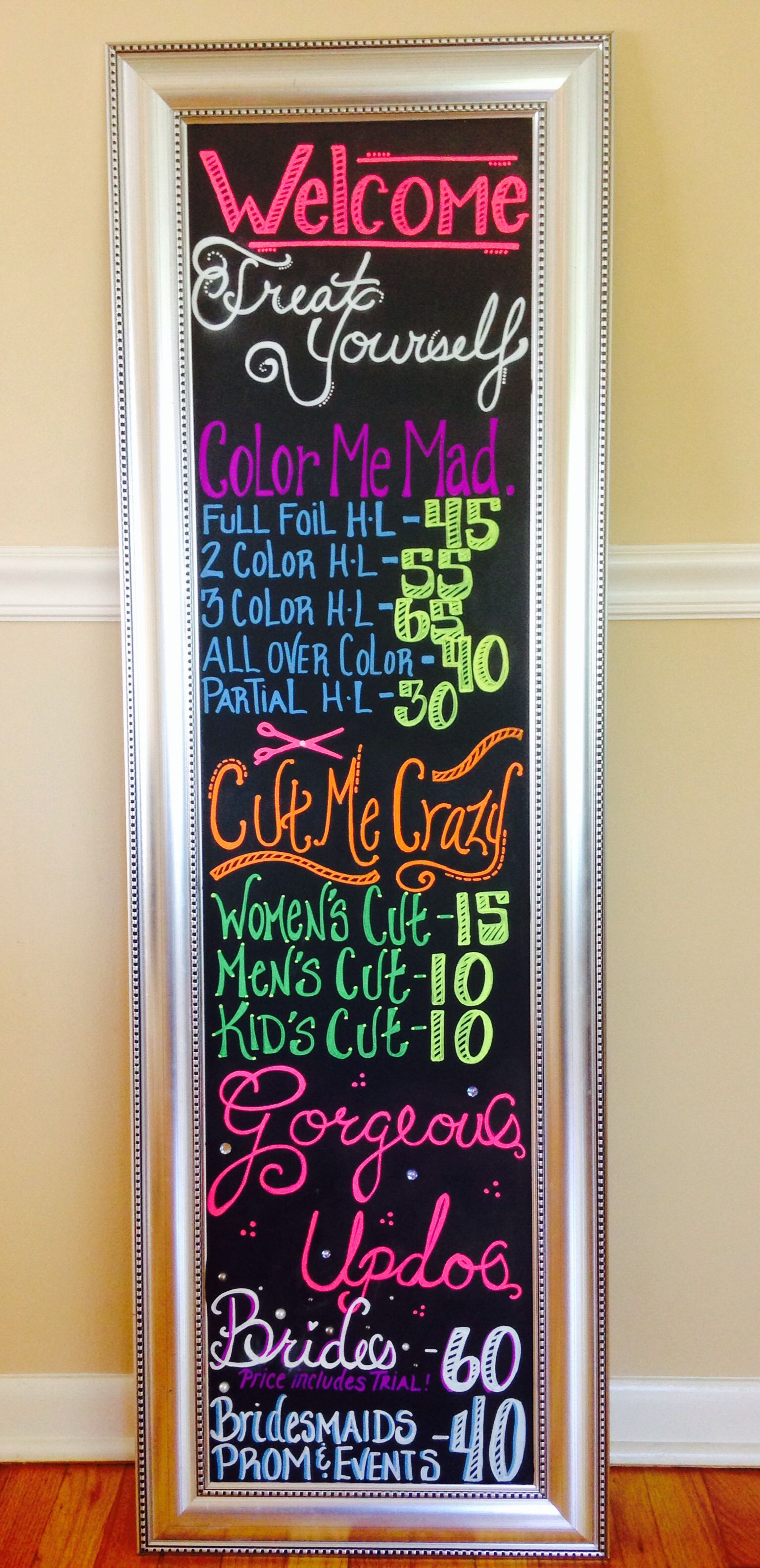 Salon chalk board behind the chair pinterest salons for Decor names