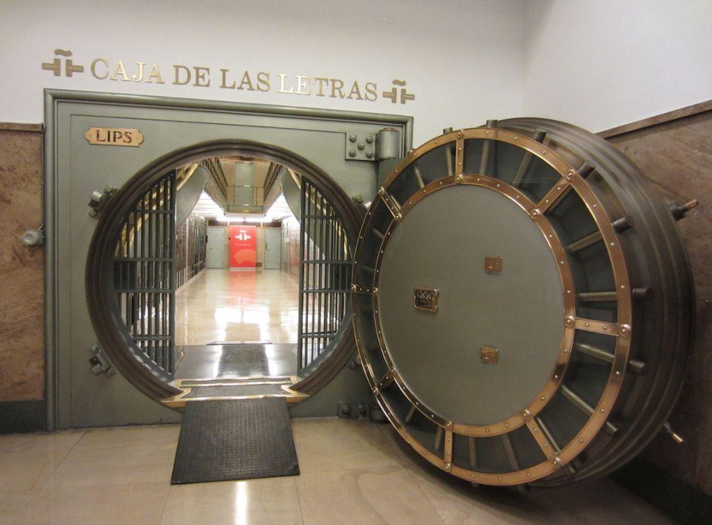 TOUCH esta imagen: Caja de las Letras del Instituto Cervantes by Instituto Cervantes