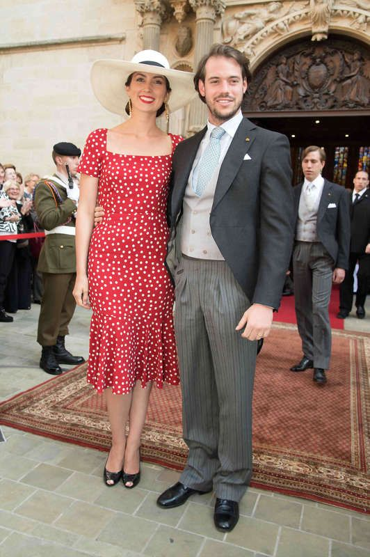 Jour De Fete Nationale Au Grand Duche De Luxembourg Red Midi Dress Royal Fashion Nice Dresses
