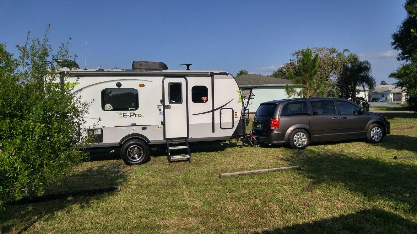 E Pro 19fd Towed By A Dodge Grand Caravan Recreational Vehicles