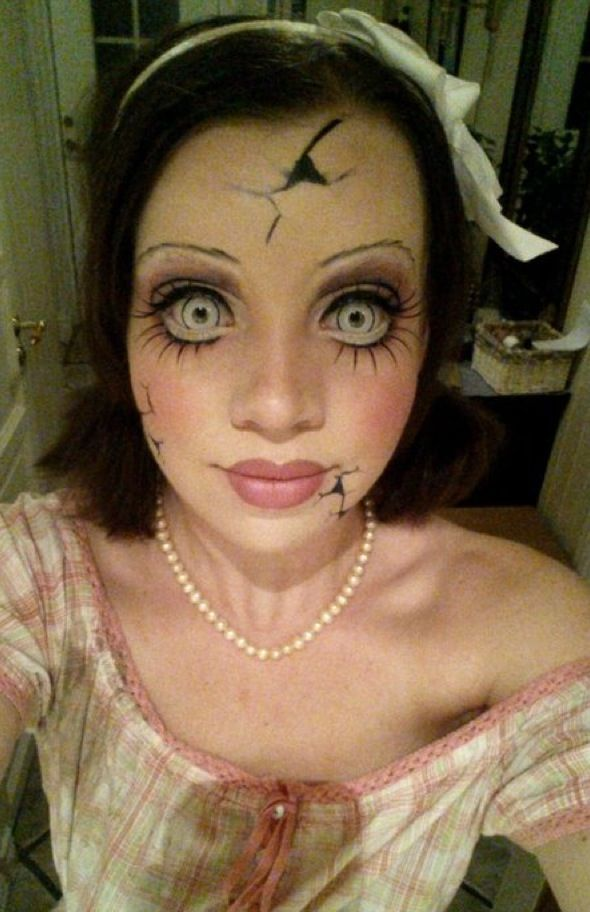 33 Totally Creepy Makeup Looks To Try This Halloween Doll head - halloween costumes scary ideas
