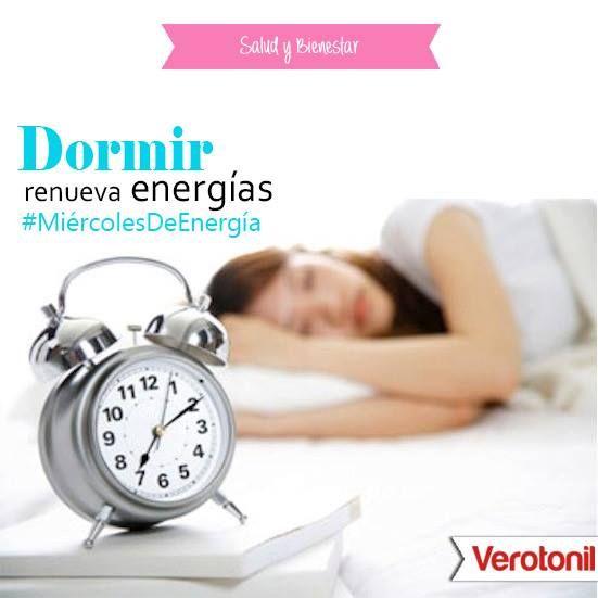 Te recomendamos que descanses por la noche de 6 a 8 horas. No dormir el tiempo suficiente podría ser la razón 1 por la cual te sientes cansado.  Si te toma hasta 30 minutos para quedarte dormido entonces esa es una señal de que estás teniendo suficiente tiempo de sueño, y…Si te quedas dormido tan pronto como te acuestas en la cama y/o si te sientes con sueño en el trabajo, entonces eso quiere decir que no estás durmiendo el tiempo suficiente y por lo tanto tus niveles de energía son bajos.
