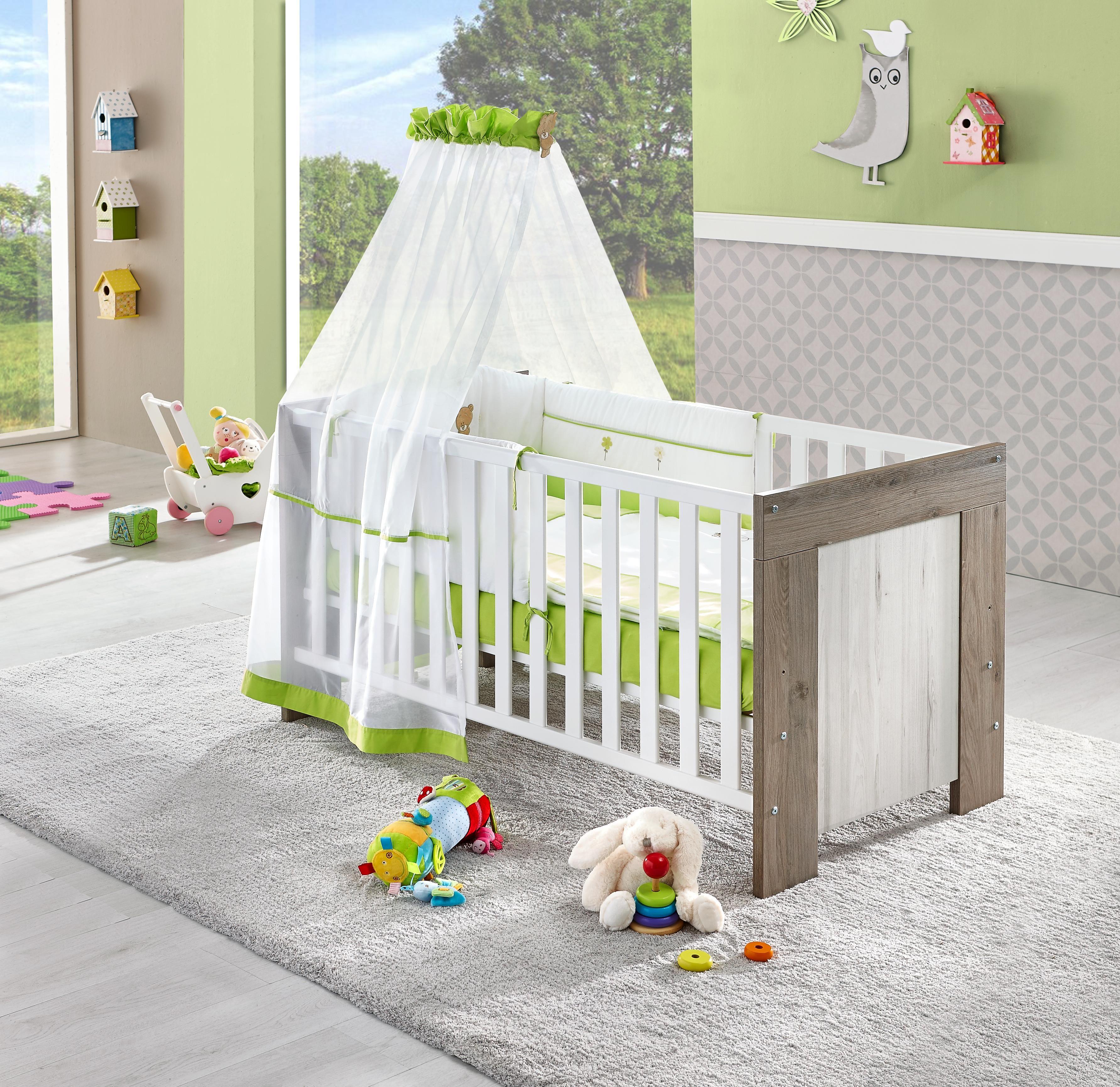 Dieses Gitterbett Ist Der Hit Im Babyzimmer Hier Schlaft Euer Nachwuchs Seelenruhig Und Traumt Von Seinem Guten Freund Toni Baby Mobel Babyzimmer Kinderzimmer