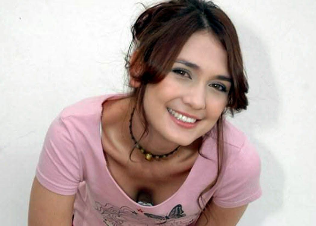 Miranda Mills